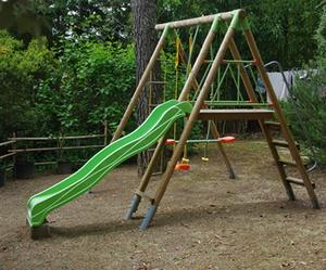 Swing set, perfect for the garden