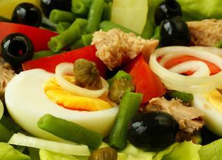 Salade et vers potager l gumes plantes aromatiques for Entretien salade jardin