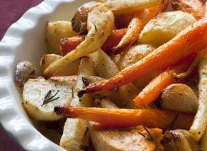 légumes rôtis au four : panais, carottes, navets