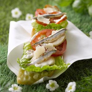sandwich au poulet tartare et anchois. Black Bedroom Furniture Sets. Home Design Ideas