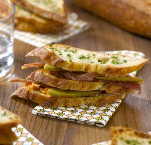 recette du sandwich jambon beurre revisit fa on millefeuille. Black Bedroom Furniture Sets. Home Design Ideas