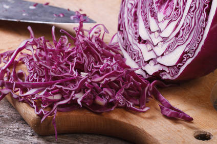 Red cabbage health benefits and therapeutic value