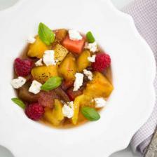 Salade de tomate aux fruits