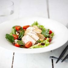salade volaille fruits secs tomate