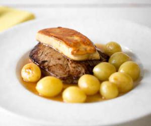 Tournedos rossini boeuf foie gras raisin et porto - Cuisiner le foie de boeuf ...