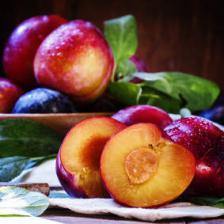 Plum health benefits and therapeutic value