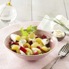 Salade de Pomme de terre au chevre frais et betterave, sauce raifort