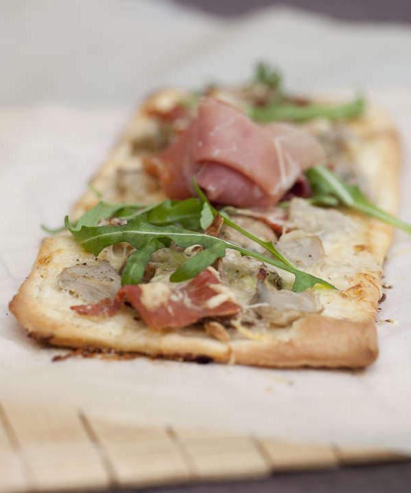 Pizza artichaut jambon champignon