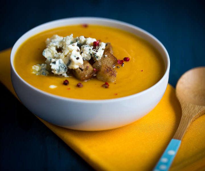 Potage de patates douces aux poires et au bleuAuvergne soupe