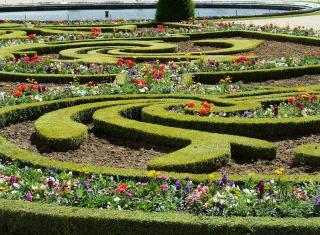 Massif Jardin a la francaise