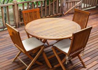 Entretien mobilier jardin bois teck