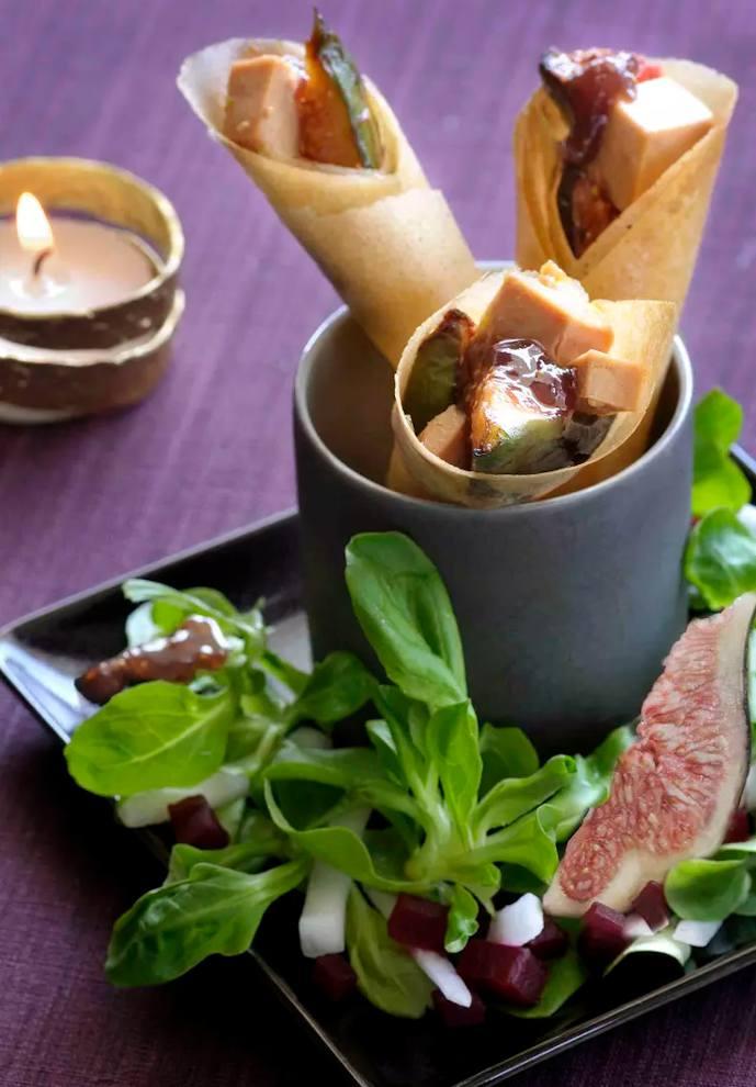 Cornets au foie gras et confiture de figues panais betterave